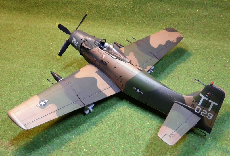 [TAMIYA] Douglas A1 Skyraider: rénovation d'un souvenir - Page 4 Skyr8510