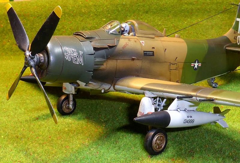 [TAMIYA] Douglas A1 Skyraider: rénovation d'un souvenir - Page 4 Skyr8710