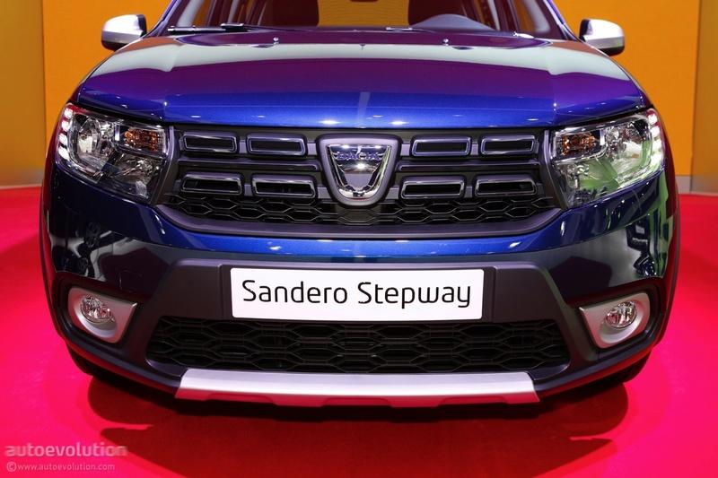 2016 - [Dacia] Sandero & Logan restylées - Page 5 2017-d12