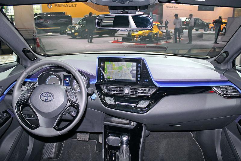 2016 - [Toyota] C-HR - Page 6 Toyota11