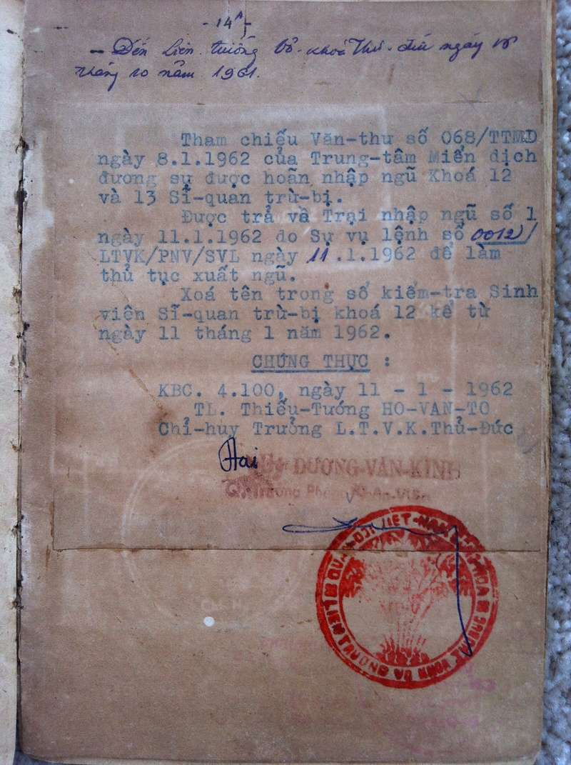 Livrets militaires Vietnamiens Img_8325