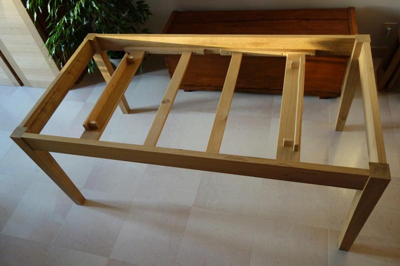 Table de salle à manger en chêne Dsc00821