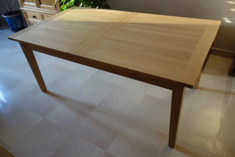 Table de salle à manger en chêne Dsc00912