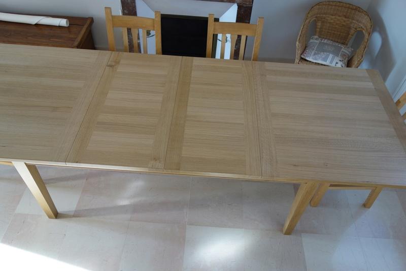 Table de salle à manger en chêne Dsc00914