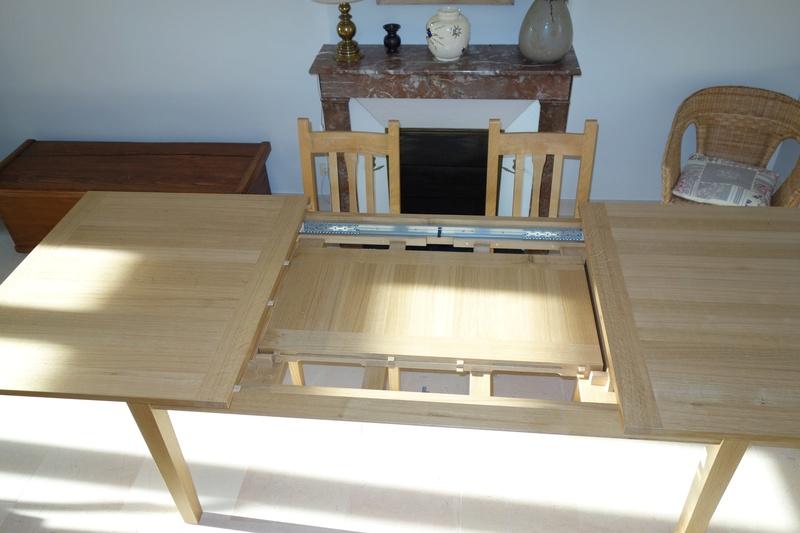 Table de salle à manger en chêne Dsc00918