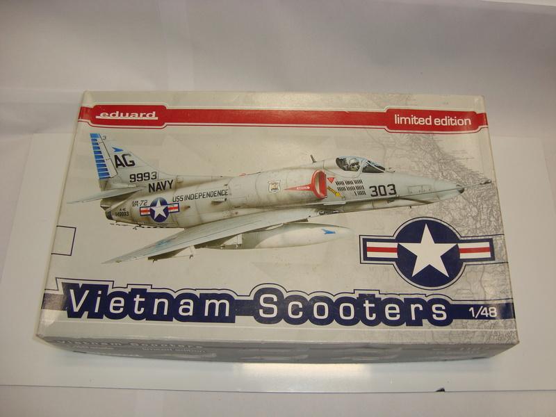 A-4 E Skyhawk - 1/ 48° Pont d'envol fait - Avion fini - accessoires de pont en confection. Dsc01818