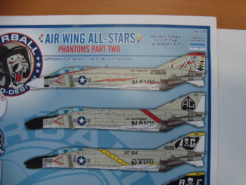 F-4 B Phantom 1/48° - VF-51 - 1972 - Début de patine. - Page 2 Dsc01824