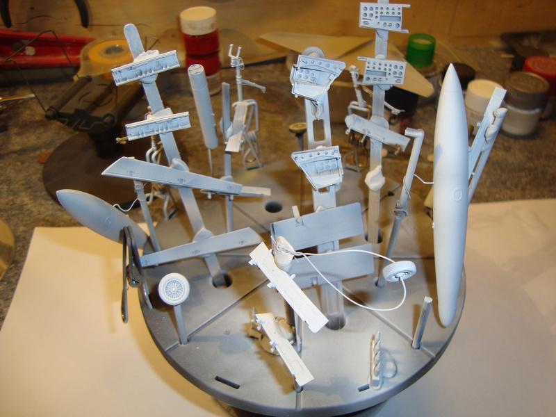 A-4 E Skyhawk - 1/ 48° Pont d'envol fait - Avion fini - accessoires de pont en confection. - Page 2 Dsc01828