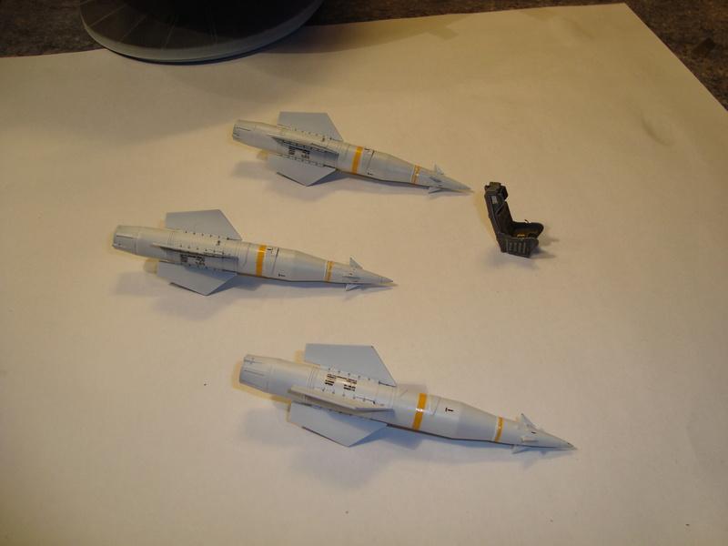 A-4 E Skyhawk - 1/ 48° Pont d'envol fait - Avion fini - accessoires de pont en confection. - Page 2 Dsc01834
