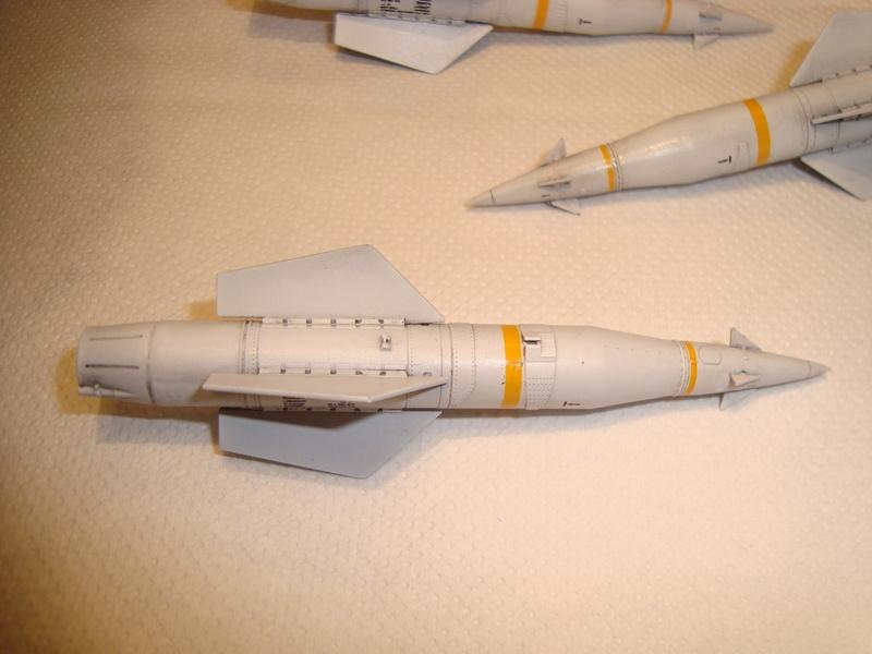 A-4 E Skyhawk - 1/ 48° Pont d'envol fait - Avion fini - accessoires de pont en confection. - Page 2 Dsc01841