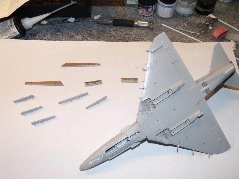 A-4 E Skyhawk - 1/ 48° Pont d'envol fait - Avion fini - accessoires de pont en confection. Dscf6718