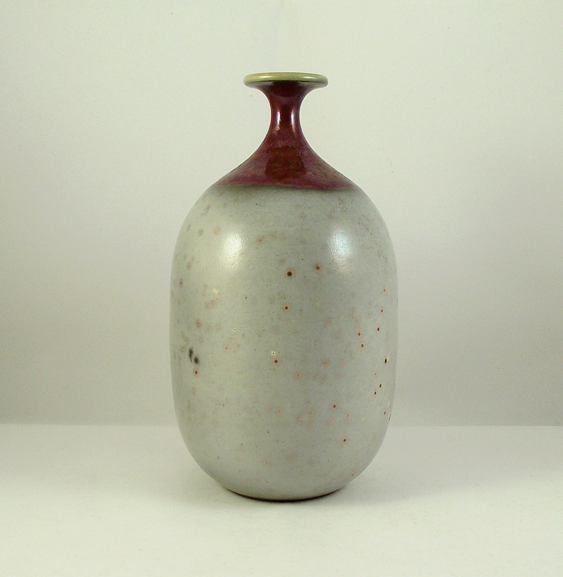 Studio Pottery Vase, Snail mark - Joan Carrillo, Spain  Dscf9512