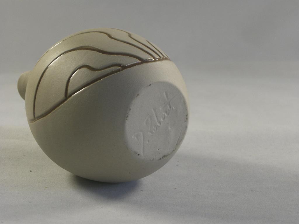 D Robert Studio Pottery Vase Cimg2613