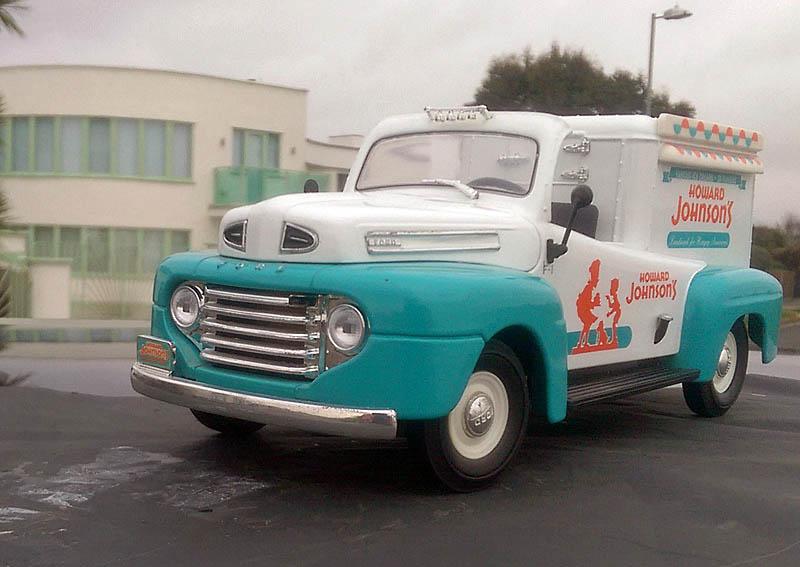 """FORD 1951 COE """"ice cream truck"""" (autre suite du 28/11/16) Imag3810"""
