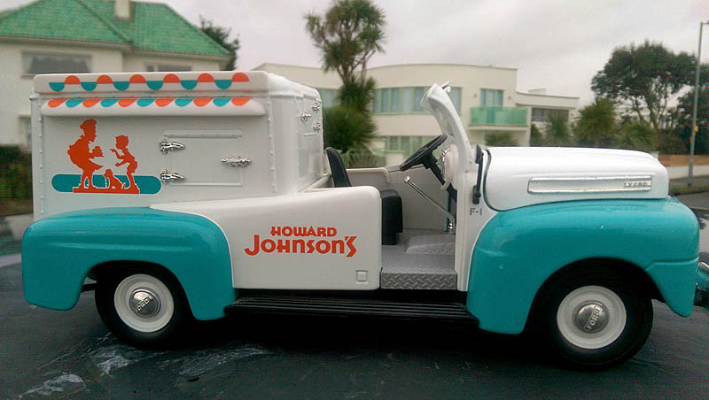 """FORD 1951 COE """"ice cream truck"""" (autre suite du 28/11/16) Imag3811"""