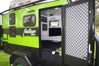Van Cruiser SUV Outlaw Compact (Australie) Photos10