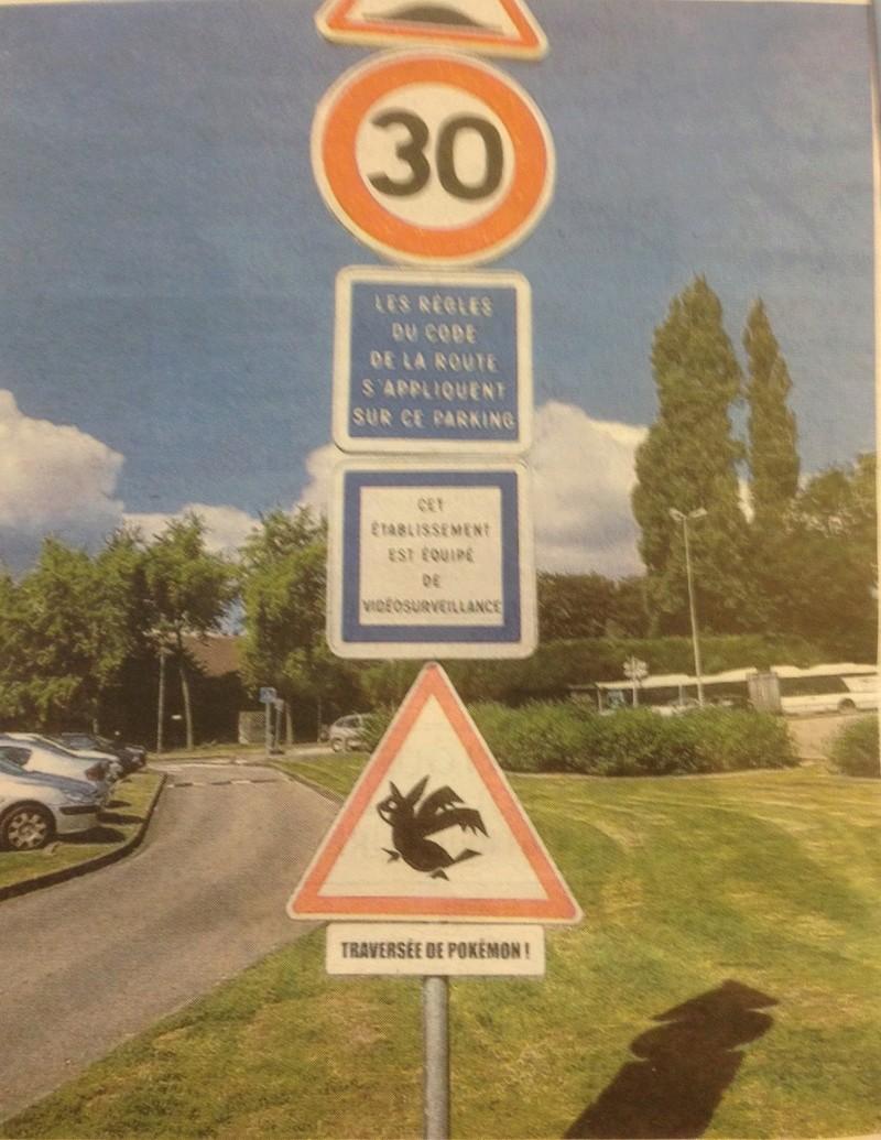 Les panneaux drôles, bizarres, étranges - Page 22 Img_0811