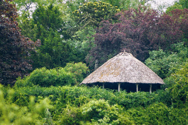 De toile, de bois ou de bric et de broc : les cabanes. La_cab10
