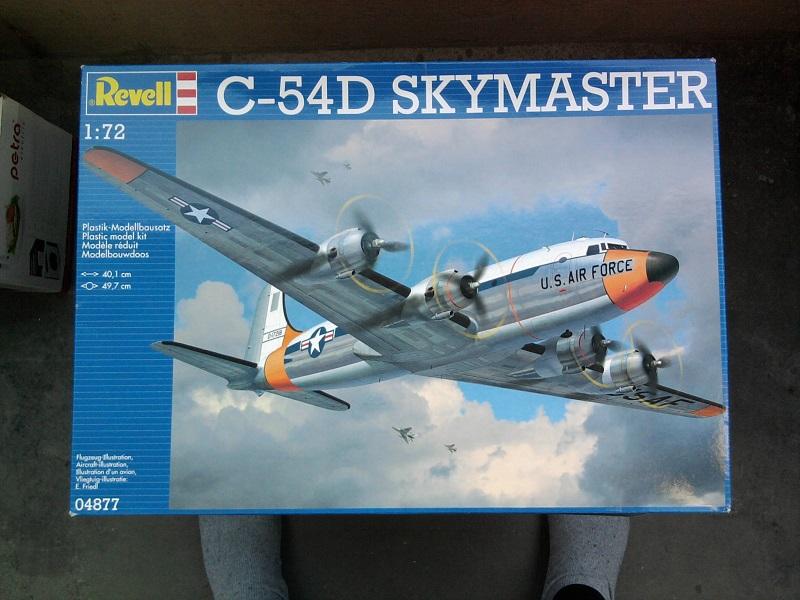 C-54D Skymaster / Revell, 1:72 01_12