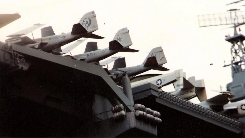 """Group Build """"Porte-avions"""" - Page 2 Nimitz10"""