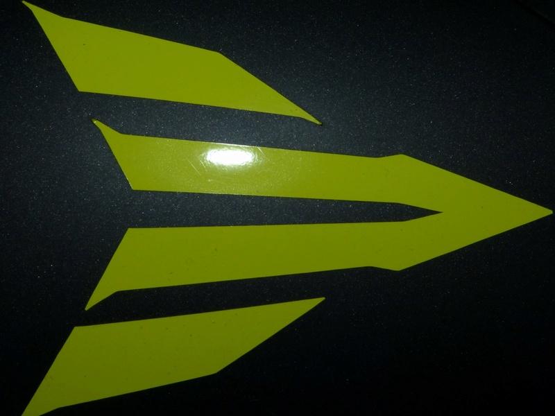 L'emblème Yamaha : du phénix aux diapasons... P1030811