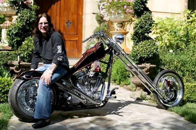 Ils ont posé avec une Harley, principalement les People - Page 5 0aa10