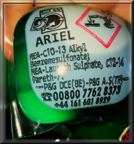 Ariel 3in1 Pods Ruecks11