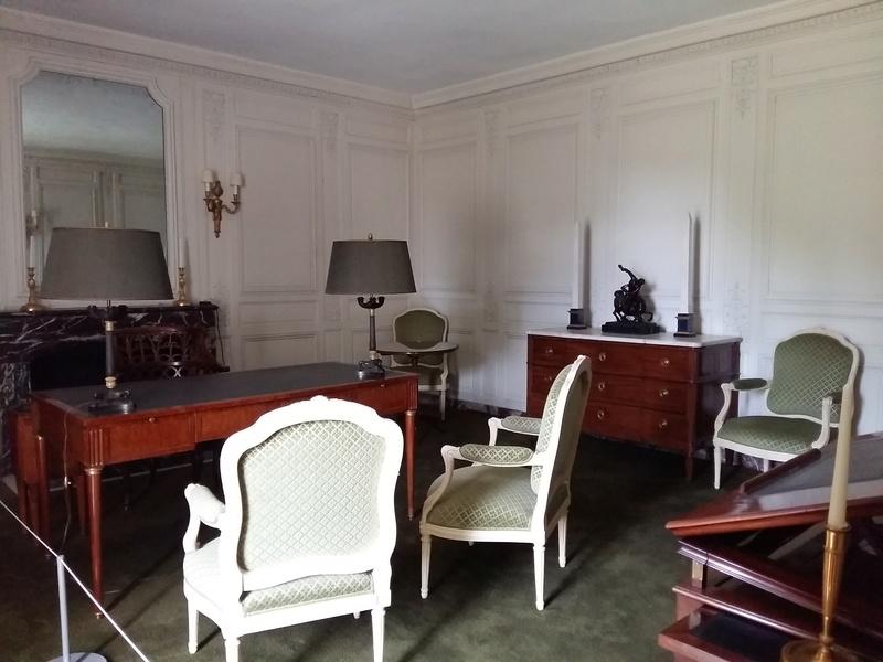 Expo au Grand Trianon : De Louis XIV à Charles de Gaulle  - Page 3 20160120
