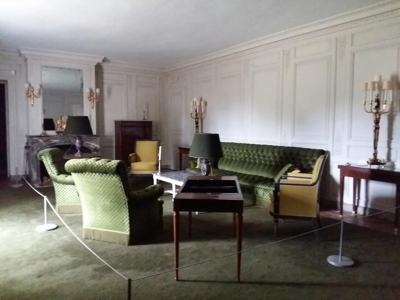 Expo au Grand Trianon : De Louis XIV à Charles de Gaulle  - Page 3 20160989