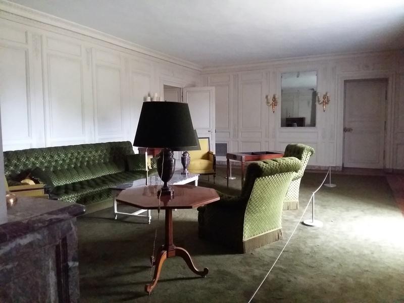 Expo au Grand Trianon : De Louis XIV à Charles de Gaulle  - Page 3 20160993
