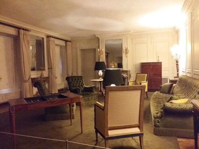 Expo au Grand Trianon : De Louis XIV à Charles de Gaulle  - Page 4 20161076
