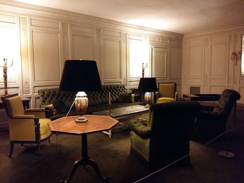 Expo au Grand Trianon : De Louis XIV à Charles de Gaulle  - Page 4 20161077