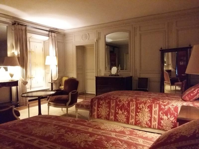 Expo au Grand Trianon : De Louis XIV à Charles de Gaulle  - Page 4 20161091