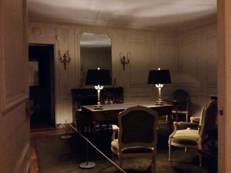 Expo au Grand Trianon : De Louis XIV à Charles de Gaulle  - Page 4 20161093