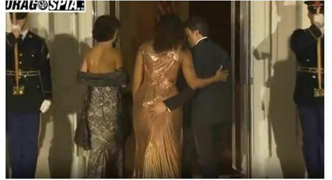Matteo Renzi tocca il sedere a Michelle Obama Wp-14710