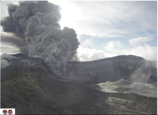 Volcano erupts sending rocks and ash 4km high. Volcan10