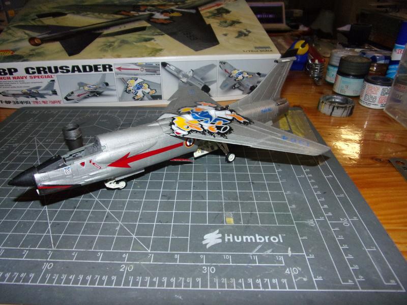 F-8P CRUSADER  - Academy -1/72éme 102_2412