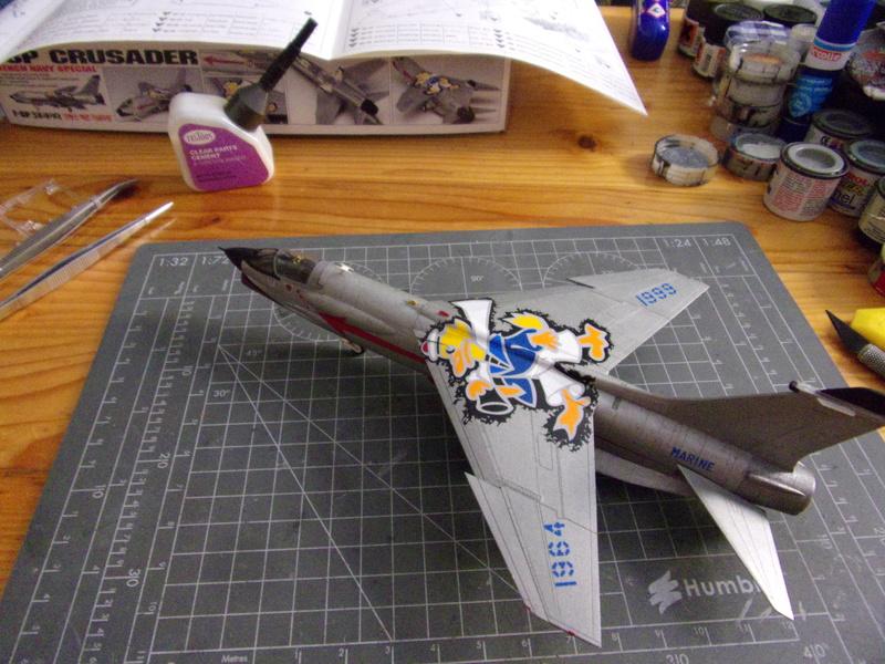 F-8P CRUSADER  - Academy -1/72éme 102_2561