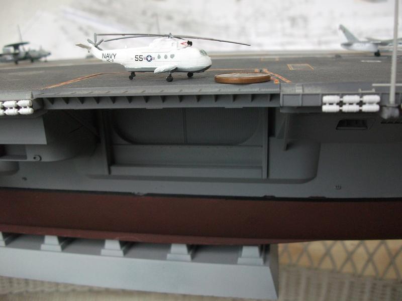 USS NIMITZ 1/350 TRUMPETER Dscf2468