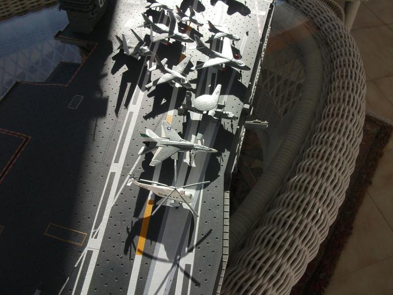 USS NIMITZ 1/350 TRUMPETER Dscf2526