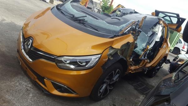 2016 - [Renault] Scénic IV [JFA] - Page 18 Image_10
