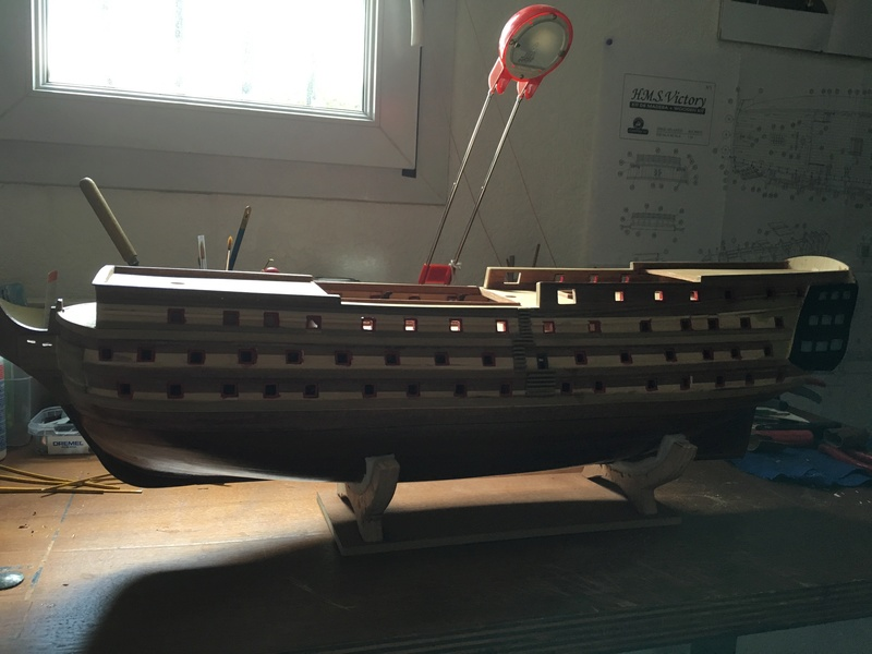HMS VICTORY de chez Constructo au 1/94e Img_1013