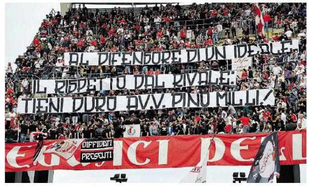 """24/10/16 TMW - La Curva sostiene Pino Milli. Lui risponde: """"Che emozione"""" 1svwl810"""
