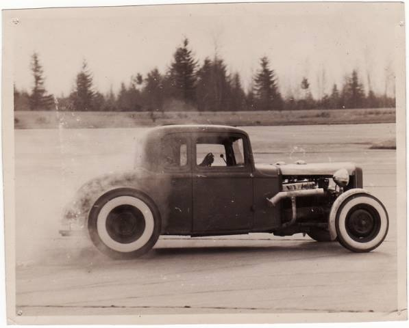 "Hot rod in street - Vintage pics - ""Photos rétros"" -  - Page 6 10734011"