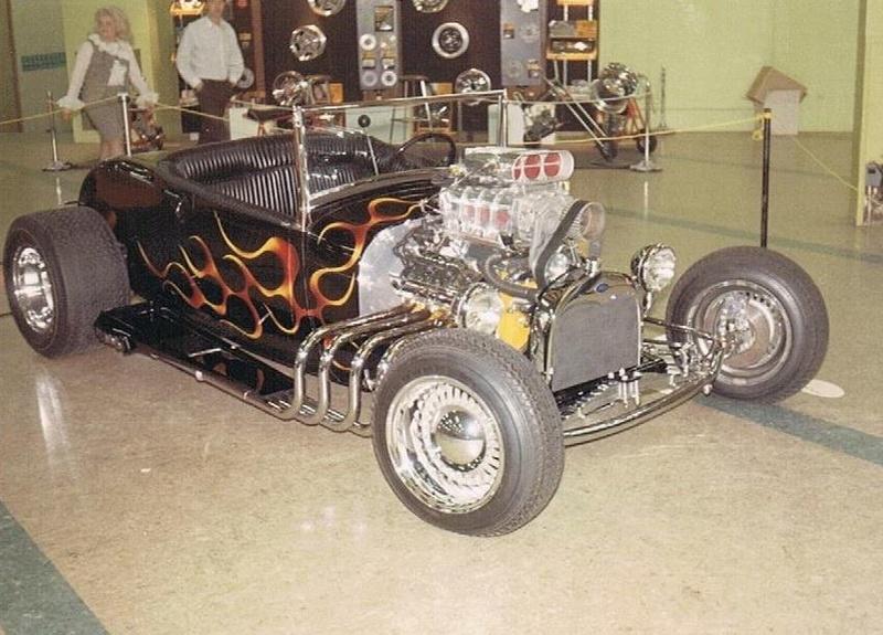 Vintage Car Show - Page 18 12990910
