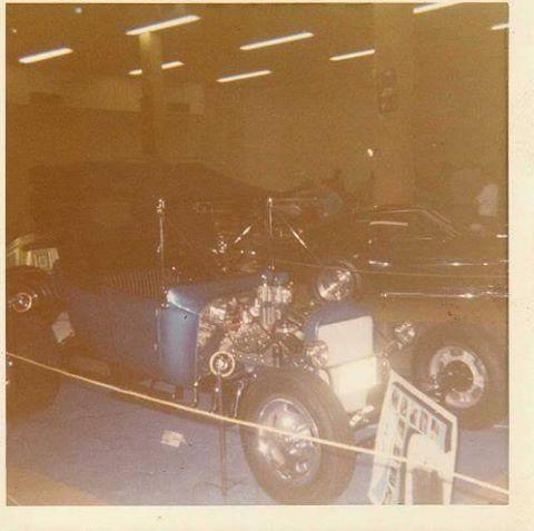 Vintage Car Show - Page 17 13177310