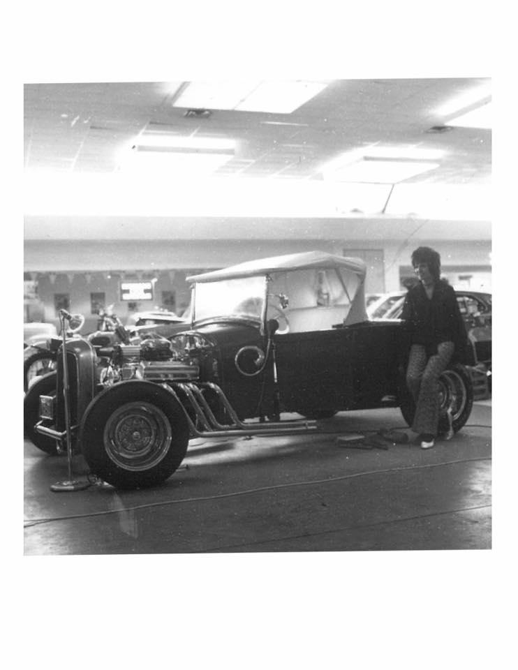 Vintage Car Show - Page 18 13450010