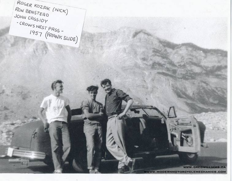 custom cars in the street - in situation ( vintage pics 1950's & 1960's)  - Page 4 13465910