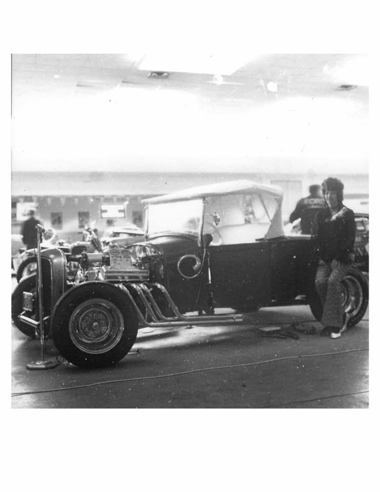 Vintage Car Show - Page 18 13510910