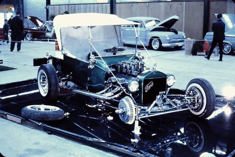 Vintage Car Show - Page 18 13775410